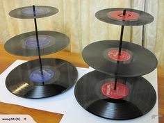 Vinyl cake stand. OH MY GOSH. I want! I'm so using these bad boys at my birthday party!