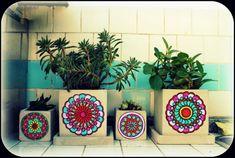 Macetas con mandalas mandala flower pot decoracion de macetas, decoracion p Mosaic Flower Pots, Mosaic Pots, Painted Flower Pots, Mosaic Diy, Painted Pots, Hand Painted, Cactus Pot, Flower Mandala, Dot Painting