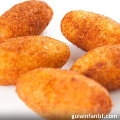 Croquetas de jamón sin gluten, para niños celíacos With these gluten-free ham croquettes, for celiac children, your child can safely enjoy one of the most popular recipes among the & # peques & # of the house Goat Cheese Recipes, Cheesy Recipes, Gluten Free Menu, Gluten Free Recipes, Cheese Croquettes Recipe, Gluten Free Chocolate Chip Cookies, Most Popular Recipes, Favorite Recipes, Sans Gluten