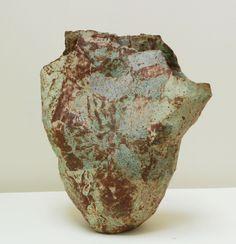 EWEN HENDERSON (1934-2000) 11. (EH192) Form, c. 1984, stoneware, height 39 cm, width 35 cm - Galerie Besson