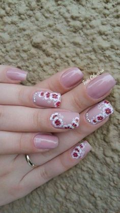 5 Unavoidable Floral Nail Art for Short Nails : Take a look! Your short nail deserves some amazing nail art design and Color. So, regarding that, we have gathered some lovely Floral Nail Art for Short Nail suggestions only for you. Pink Nail Designs, Nail Designs Spring, Floral Nail Art, Nail Art Diy, Spring Nails, Summer Nails, Fingernails Painted, Gel Nails French, Trendy Nails