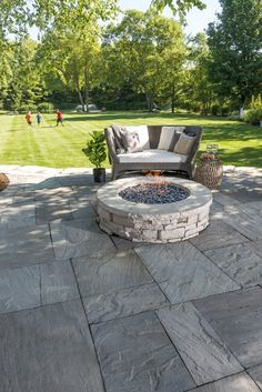 patio design Stamped concrete patios easily became one of the most sought-after architectural trends at the moment because, finally, we can add character to our usual grey slab patio. Concrete Patio Designs, Backyard Patio Designs, Pergola Patio, Backyard Landscaping, Patio Ideas, Stone Patio Designs, Pavers Ideas, Pavers Patio, Patio With Firepit