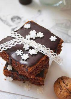Jammi, Walnuss-Brownies: http://www.gofeminin.de/kochen-backen/die-wunderbare-welt-von-fraeulein-klein-d42460c510886.html