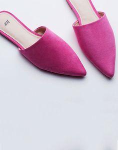 Current crush: Pretty in pink #HMMagazine   Read more at H&M Magazine
