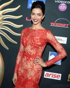 ... and bagged the Best Entertainer of the Year award at IIFA 2014. Wearing a Sabyasachi, Deepika Padukone gave the most gorgeous sight at the green carpet.