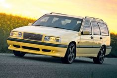 Volvo 850 T5-R from 1995; used to drive one of these (dark olive pearl version) from 2005 to 2009; incredible car...