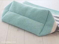PDF CROCHET PATTERN: Classic Beach Bag Language: American Standard Difficulty Level: Easy - - - - - Hit the beach in style with a hand-crocheted beach bag that you made yourself! This listing includes the pattern for both adult and child sized bags. It uses 24/7 Cotton, a