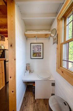 Tiny Tack House in Seattle, Washington for rent on Airbnb - Bathroom