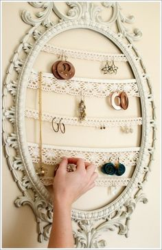 What?! SOOO pretty!!!  I don't care if I have enough jewelry boxes-this one is going to happen! :0)