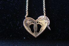Detalhe Colar Coração com Pegadas Cod148 S