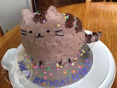 omg a pusheen cake!