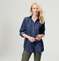 Meet the softened shirt – a light and airy button-down, with no detail left unbuttoned. In crisp cotton chambray, this airy light tunic style is a season-perfect essential. Point collar. Long sleeves. Button front. Patch chest pockets. Button cuffs. Back yoke with inverted pleat. Shirttail hem.
