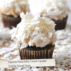 These Chocolate Peanut Butter Coconut Cupcakes would look great on your vegan wedding dessert bar! Cupcakes Cool, Vegan Cupcakes, Coconut Cupcakes, Cheesecake Cupcakes, Mini Cupcakes, Chocolate Peanut Butter Cupcakes, Coconut Peanut Butter, Cupcake Recipes, Cupcake Cakes