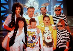Queen and 'mini queen'. The Miracle video