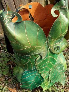 Bustier Feuillage , collection esprit nature en cuir sculpté - ATELIER A FLEUR DE PEAU