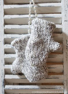 diy mitten ornaments that require no knitting, christmas decorations, crafts, seasonal holiday decor Christmas Ornaments To Make, How To Make Ornaments, Christmas Tree Decorations, Decor Crafts, Holiday Crafts, Christmas Crafts, Christmas Ideas, Holiday Decor, Diy Ornaments
