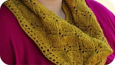 This cowl I must knit! What a cool stitch pattern.
