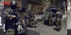 Viranşehirde eve operasyon: 4 PKKlı öldürüldü : Terör örgütü PKKnın dağ kadrosunda bulunan bir grup teröristin ilçeye geldiği bilgisi üzerine polis ekipleri harekete geçti. Özel harekat polisleri Demirci Mahallesindeki bir eve hava destekli operasyon düzenledi. Güvenlik güçlerinin teslim ol çağrılarına PKKlı teröristler ateşle karşılık ve...  http://www.haberdex.com/turkiye/Viransehir-de-eve-operasyon-4-PKK-li-olduruldu/109177?kaynak=feed #Türkiye   #hava #destekli #operasyon #Mahallesi…