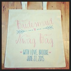 Fill these adorable swag bags with goodies for your bridal party!! #thankyou #bride #bridetobe #bridesmaid #maidofhonor #bridalparty #wedding #weddingparty #swagbag #swag #ilulilydesigns