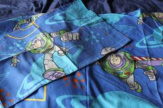 Toy Story Single Bed Duvet Cover with matching Pillowcase for Upcycling Buzz Lightyear Design Retro Fabric, Bed Duvet Covers, Buzz Lightyear, Bed Sizes, Toy Story, Looks Great, Pillow Cases, Space, Toys