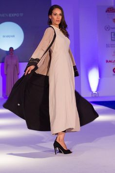 The craze for Islamic wears increased more, when big Hollywood celebrities like Kim Kardashian and Angelina Jolie. Suddenly people from everywhere started experimenting with the #Modern #Islamic #wears, which in turn led to creation of new designs of Islamic wears.