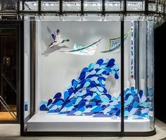 Sequencia de detalhes da Hermes em Tokyo com conceito making waves. Simplicidade…