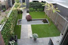 Strakke lijnen met waterpartij voor smalle diepe tuin. Andre Meilink