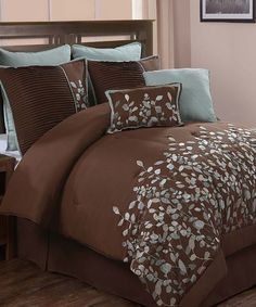 Chocolate Jardin Comforter Set