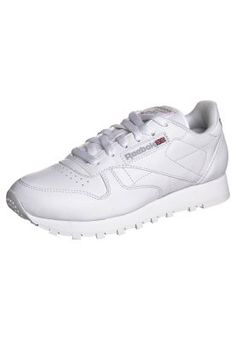 Reebok Classic CLASSIC - Trainers - white for with free delivery at Zalando Reebok Classic Sneakers, Sneakers Nike, Classic Leather, Classic White, Black And White Sneakers, My Style, Shoes, Women, Resolutions