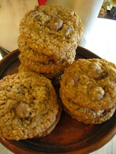 great recipe. i used quick cook steel cut oats, left out the chocolate, and included 2 c of raisins. the steel cut oats give a nice crunch, and the kids love them! Steel Cut Oatmeal Cookies, Oatmeal Rasin Cookies, Oat Chocolate Chip Cookies, Chocolate Covered Raisins, Raisin Cookies, Chocolate Oatmeal, Oat Cookie Recipe, Oatmeal Cookie Recipes, Just Desserts