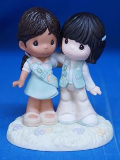 Girl-Scout-Scouting-Brings-Friends-Together-Precious-Moments-Figure-102015