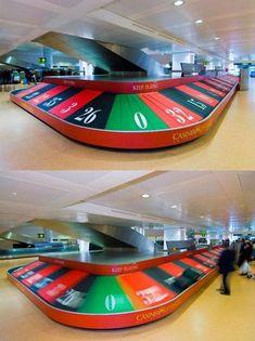 Het bevorderen van de #Casino Di Venezia met een gigantische roulette wiel op de luchthaven Venetië Marco Polo.
