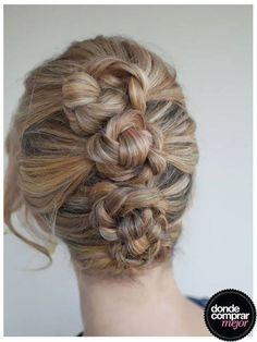 Un peinado divino y práctico, varias trenzas hechas rodetes. ¿Te gusta? ¡Buen finde!  Completá tu look en www.tiendadcm.com