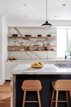 How Designer Melanie Burstin Fixed 5 Flipping Houses Mistakes in Her Latest Makeover statement marble backsplash and counters Kitchen Interior, New Kitchen, Kitchen Decor, Island Kitchen, Kitchen Ideas, Interior Livingroom, Black Kitchens, Home Kitchens, House Bugs