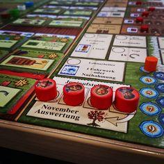 #ArlerErde ist einfach ein geiles #WorkerPlacement Brettspiel von #UweRosenberg. #brettspiel #brettspiele #boardgames #fb #solo Calendar, Holiday Decor, Instagram, Board Games, Boards, Adventure, Simple, Life Planner, Menu Calendar