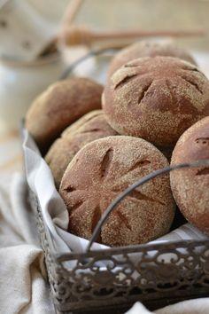 Pão, por si, já é uma delícia. Contudo, quando vem trabalhado no sabor e no aroma de ingredientes selecionados a dedo, toda essa mágica consegue ficar ainda me