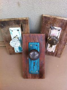 Repurposed door knobs - hang on the wall and would make cute jacket hooks by rycalkat