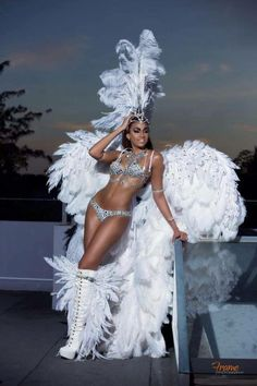 Stunning in white Carnival Dancers, Carnival Girl, Carnival 2015, Trinidad Carnival, Carnival Outfits, Caribbean Carnival, Carnival Festival, Rio Carnival, Carnival Costumes