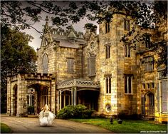 Lyndhurst Castle in Tarrytown, New York ~ Have a fairytale wedding at this historic mansion, which was originally home to New York mayor William Paulding, Jr. in the Forty minutes outside of Manhattan on the banks of the Hudson River, this castle-li Hudson River, Hudson Valley, Lyndhurst Castle, Lyndhurst Mansion, Woodland Fairy, New York Wedding, Dream Wedding, Garden Wedding, Historic Homes