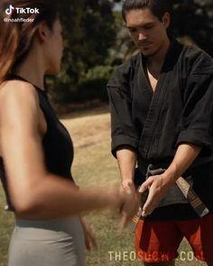 Krav Maga Self Defense, Self Defense Moves, Self Defense Martial Arts, Kung Fu Martial Arts, Martial Arts Workout, Martial Arts Training, Mixed Martial Arts, Martial Arts Styles, Martial Arts Techniques
