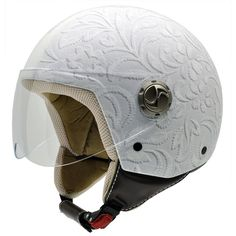 Only the best scooter helmet can ensure that and have lots of impressive features and affordable. Leather Motorcycle Helmet, Open Face Motorcycle Helmets, Scooter Helmet, Motorcycle Style, Motorcycle Gear, Women Motorcycle, Vintage Motorcycles, Custom Motorcycles, Victory Motorcycles
