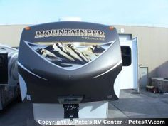 The 2013 Mountaineer 346LBQ offers an outdoor kitchen which is perfect for preparing meals while enjoying the beautiful weather.  http://petesrv.com/2013_Mountaineer_346LBQ_Fifth_Wheel_Trailer_Keystone_RV/15885.html
