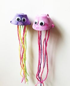 Egg Carton Jellyfish Puppets - Easy and Fun Painting Craft for Kids - The Art Kit Painting Crafts For Kids, Easy Crafts For Kids, Toddler Crafts, Art For Kids, Daycare Crafts, Egg Cartoon Crafts, Egg Carton Art, Ocean Crafts, Egg Art