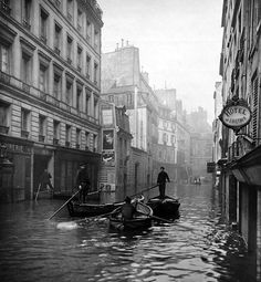 Rue de Seine, 1910 by Albert Chevojon