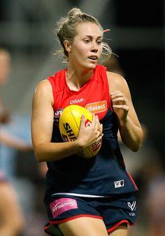 Australian Football League, Lesbians, Female Athletes, Melbourne, Balls, Sports, Women, Fashion, Hs Sports