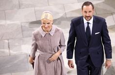 Crown Princess Mette-Marit of Norway Photos Photos - Crown Princess Mette-Marit of Norway and Crown Prince Haakon of Norway attend a service to celebrate Queen Margrethe II of Denmark's 40 years on the throne at Christiansborg Palace Chapel on January 15, 2012 in Copenhagen, Denmark. - Queen Margrethe II of Denmark Celebrates 40 Years on The Throne - Celebratory Service