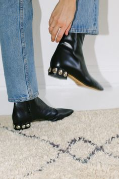 Shop online the latest scandinavian-inspired selection of women's designer shoes. Get now your dreamy shoes! Black Chelsea Boots, Black Leather Boots, Designing Women, Designer Shoes, Shopping, Fashion, Moda, Fasion, Trendy Fashion