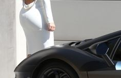 Spotted: Kim Kardashian Looking Good In Front Of Kanye's Lamborghini Aventador