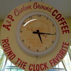 Vintage A Clock. Neon Clock, Retro Clock, Coffee Advertising, Advertising Ads, Old Clocks, Vintage Clocks, Cottage Restaurant, Rock Around The Clock, Cottage Signs