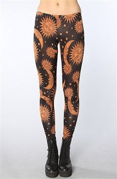See You Monday The Sun and Moon Print Leggings in Black Hipster Style Outfits, Punk Outfits, Grunge Outfits, Cute Leggings, Printed Leggings, Looks Style, My Style, Trends Magazine, Moon Print